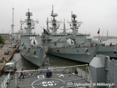 normal_Tariq-class_28pak_navy29.JPG